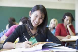 highschool year books 5 things high school seniors need to do this summer huffpost