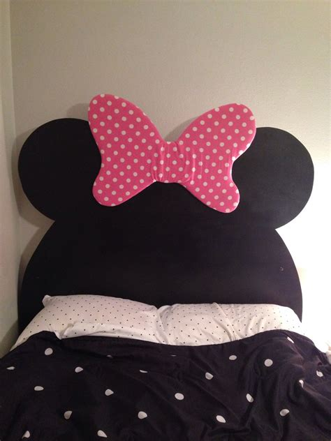 Diy Minnie Mouse Headboard 34 Mdf Cut Into The Mouse