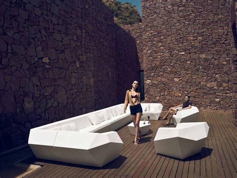 siege exterieur siège extérieur design facettes effilées faz sofa mat