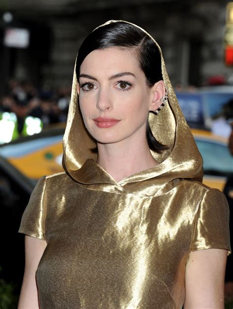 Anne Hathaway Style, Clothes, Outfits and Fashion • CelebMafia