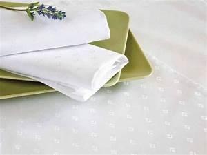 Damast Tischdecke Weiß : damast tischdecke leila rund mit modernem muster wei ~ Watch28wear.com Haus und Dekorationen