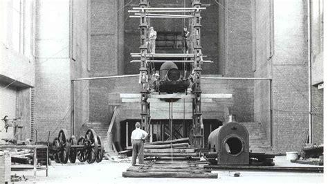 la plus vieille locomotive de belgique quitte la gare du nord