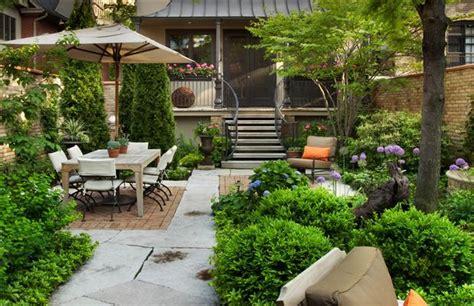 City Backyard Ideas by Pretty Garden In The City