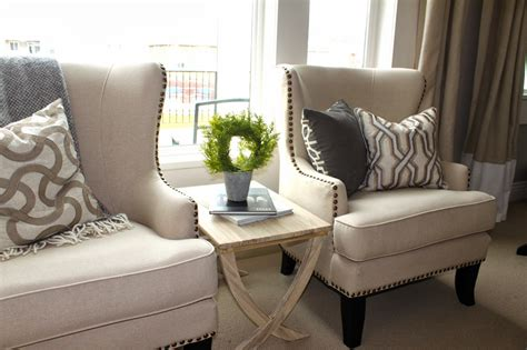 amys casablanca living room chairs