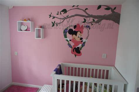 minnie mouse muurschildering voor babykamer gemaakt door