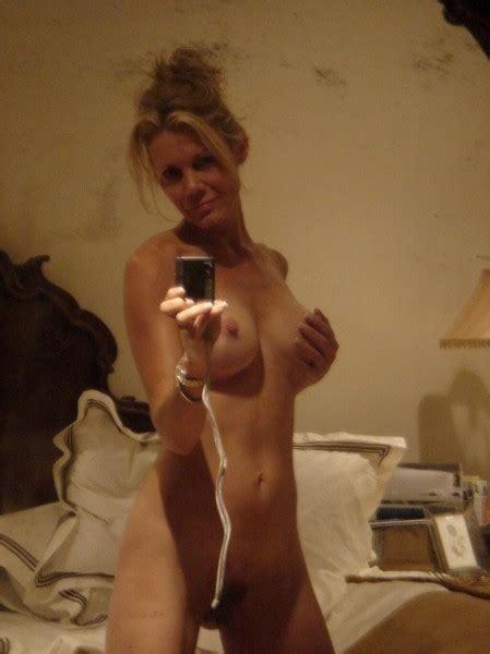 gorgeous milf s nude selfie private milf pics