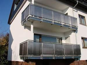 Balkongeländer Glas Anthrazit : edelstahl balkongel nder mit st ben lochblech glas trespa meteon werzalit zierst ben ~ Michelbontemps.com Haus und Dekorationen