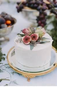 small wedding cakes 26 small wedding cake ideas pretty designs