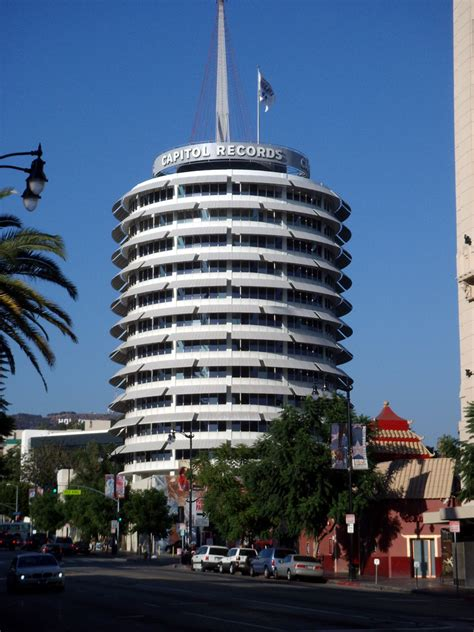 perfect los angeles bus   celebrity homes