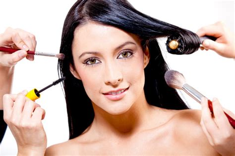Making The Right Selection In Salon For Hair And Makeup In
