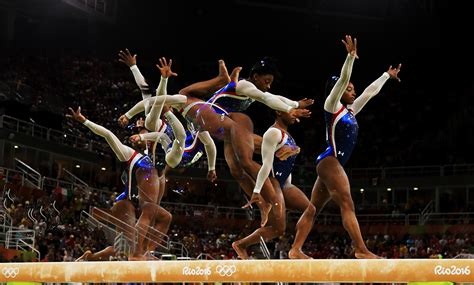simone biles  women gymnasts   gold pictures