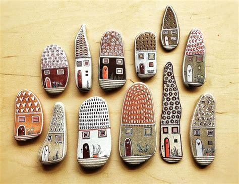 steine bemalen mit acrylfarbe steine bemalen zum basteln mit naturmaterialien 50 ideen