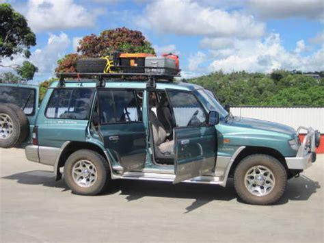 mitsubishi pajero gls    road  car