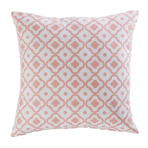 stoff für kissen outdoor kissen aus rosa bedrucktem stoff 45x45cm