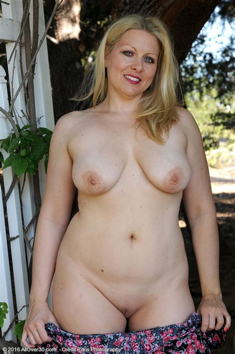 Mature Pictures Featuring Year Old Zoey Tyler From