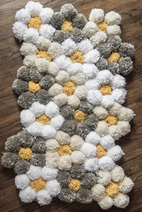 Pom Pom Rug by How To Make A Pom Pom Rug The Easy Way