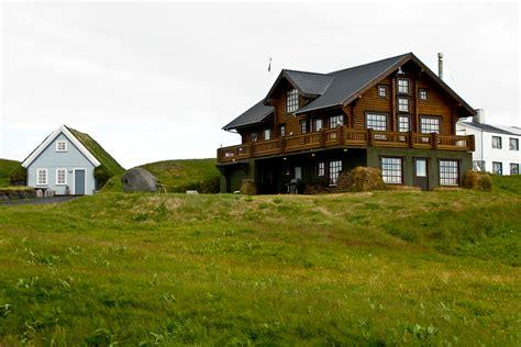 farm houses file icelandic farmhouse jpg