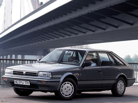 Pictures of Nissan Bluebird Hatchback (T72) 1987–90 ...