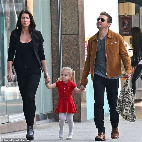 Jeremy Renner Wife Sonni Says Daughter Not Safe