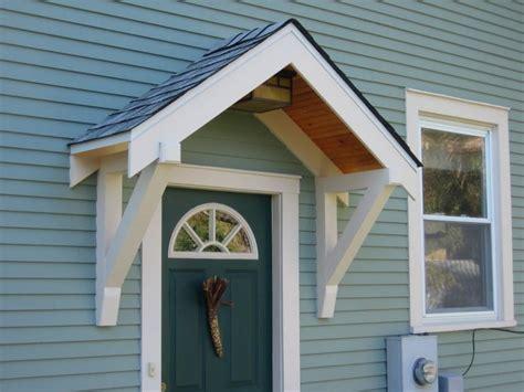 Schoen Und Schuetzend Ein Vordach Fuer Die Haustuer by Wie Wird Eine Haust 252 R 252 Berdachung Gebaut Fenster T 252 Ren