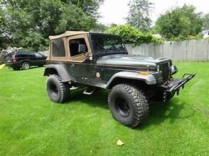 Lifted 4x4 Jeep Wrangler V