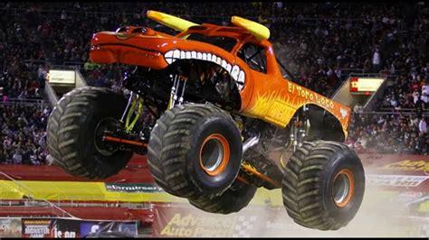 monster truck show houston 2014 monster jam houston tx 2014 field of trucks youtube