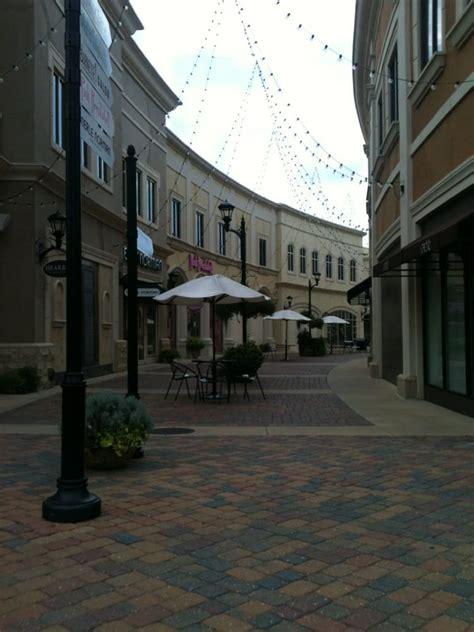 renaissance  colony park   shopping centers