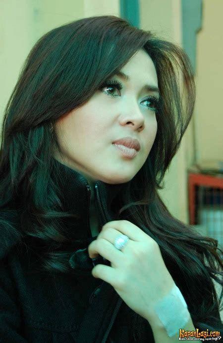 Syahrini Indonesian Actress Korea Korea Artist