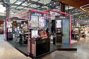 Pop Up Store : cosmetics pop up store pop up pinterest pop up ~ A.2002-acura-tl-radio.info Haus und Dekorationen