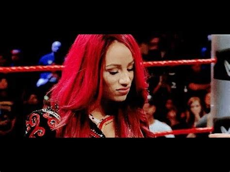 Alexa Bliss Raw Sasha Banks