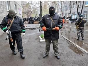 Ukraine crisis: Ukrainian officer dies in first gun battle ...