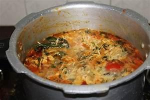 YUMMY TUMMY: Pressure Cooker Chicken Biryani / One Pot ...