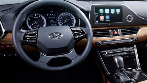 hyundai azera revealed  handsome