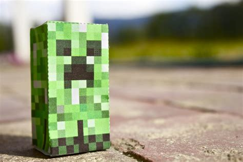 I Tried Some Minecraft Papercraft