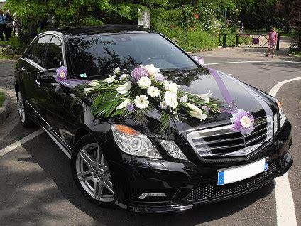 decoration voiture cortege mariage trouver quelques accessoires pour orner la voiture de mariage