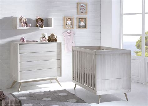 chambre bebe lit et commode awesome commode bebe designe ideas design trends 2017