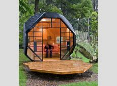 Small Backyard Playhouse for Inspired Kids and Adults