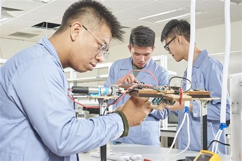 The course is run by the renowned institutes and anyone who is able to pass the entrance examination can easily get admitted in the course. Sensei Institude Diploma In Mechanical Engneering - Sensei Institude Diploma In Mechanical ...