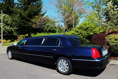 The Limo by 6 Passenger Limo Cordial Limousine And Car