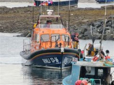 Boat Engine Fails by Dive Boat Rescued After Engine Fails Northumberland