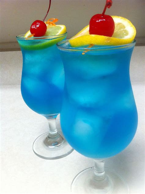Top 10 Blue Curaçao Drinks With Recipes Only Foods