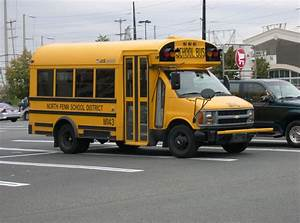 File:Chevrolet Van School Bus.jpg - Wikipedia