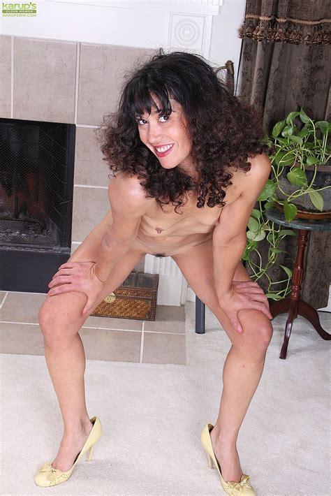 Brunette Milf Ramona Jones Does A Striptease Milf Fox