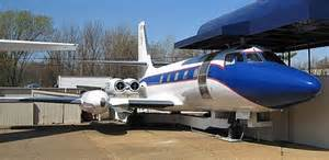 Elvis's planes to be removed from Graceland | Daily Mail ...