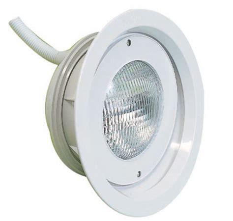 standard underwater light