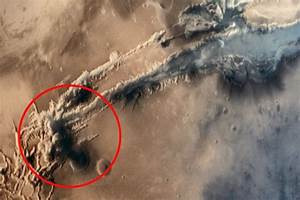Is this a mushroom cloud on Mars? Conspiracy theorists ...