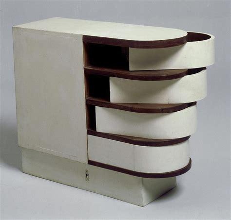 Transat Chair Eileen Gray by Eileen Gray