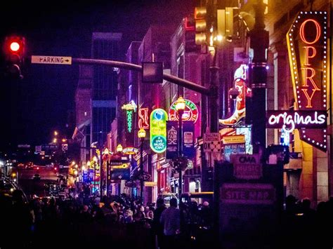 christmas lights of nashville 10 things to do in nashville if you 39 re not into country