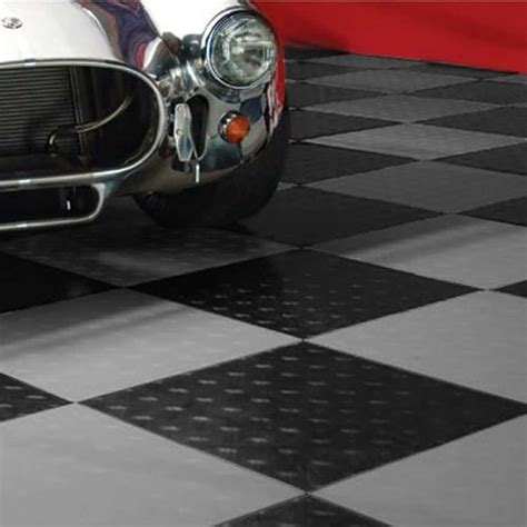 garage flooring ideas and their pros and cons resolve40