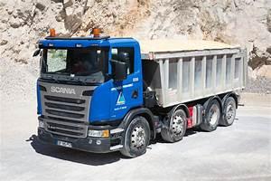 Largeur Camion Benne : notre flotte de camions granulat c b b p ~ Medecine-chirurgie-esthetiques.com Avis de Voitures
